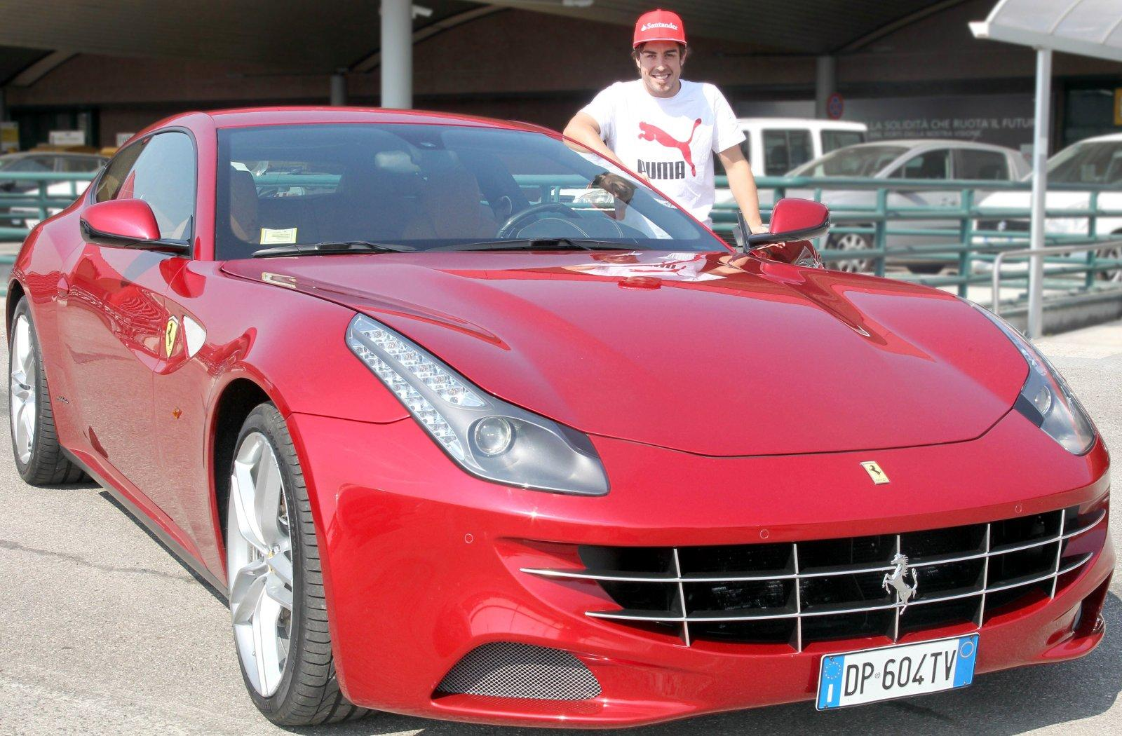 Ferrari FF gifted to Alonso