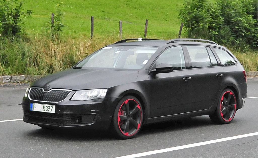 2015 skoda octavia rs plus spotted motor exclusive. Black Bedroom Furniture Sets. Home Design Ideas