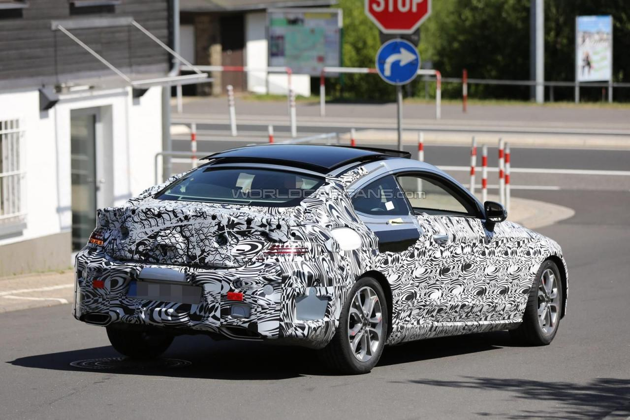 2016 Mercedes-Benz C-Class Coupe spy photo
