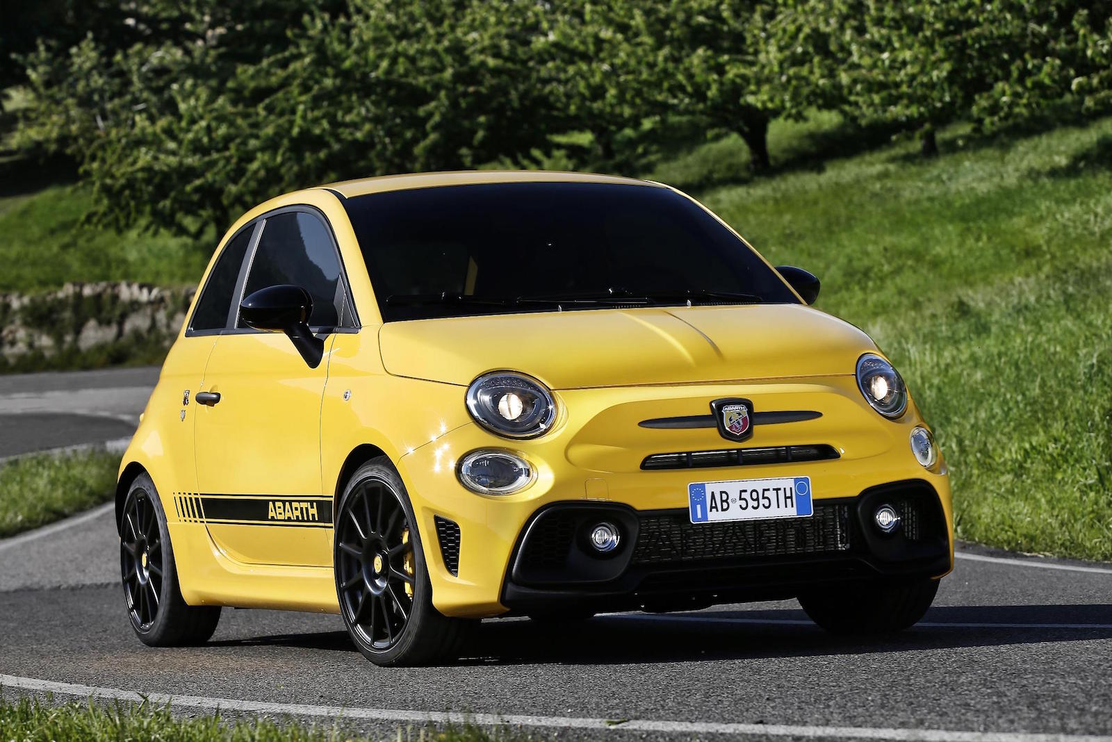 Australia: 2018 Abarth 595 Introduced with $26,990 Price Tag | Motor