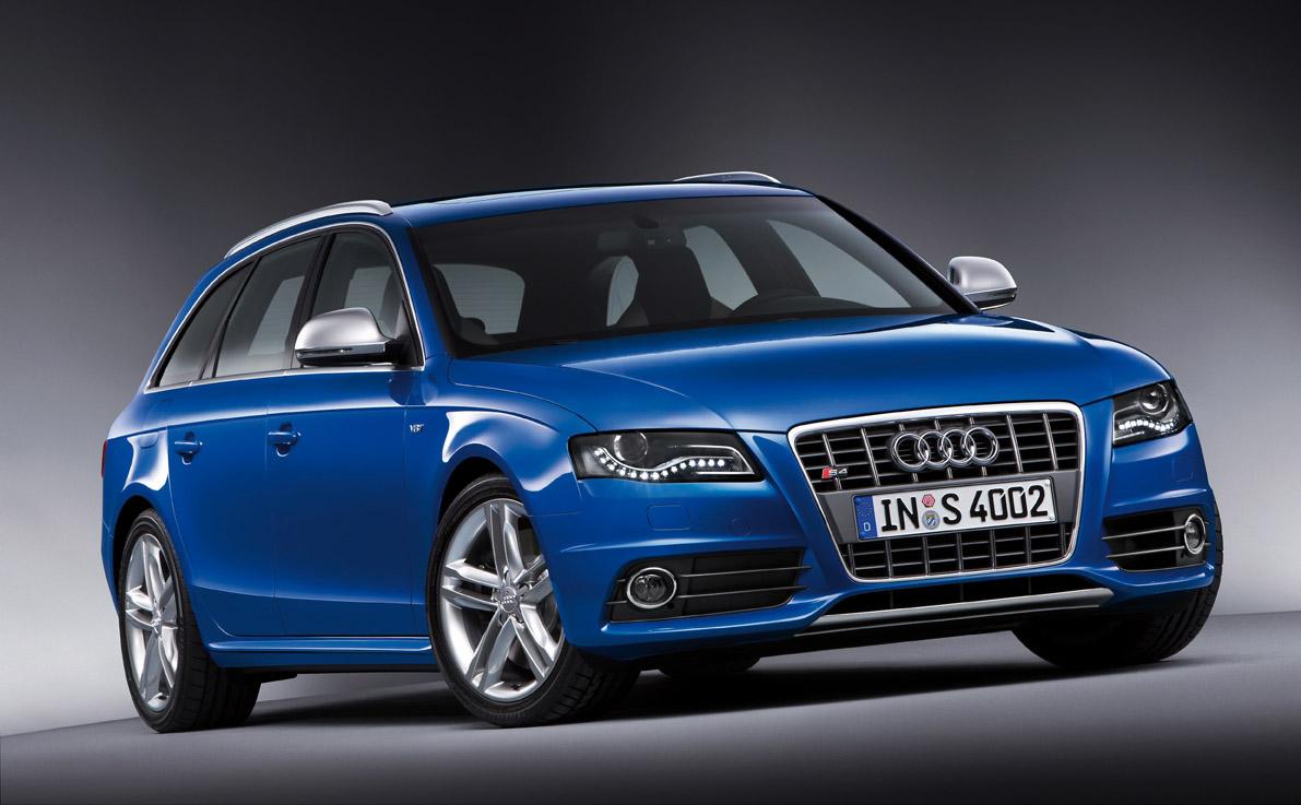Audi S4 Avant full view