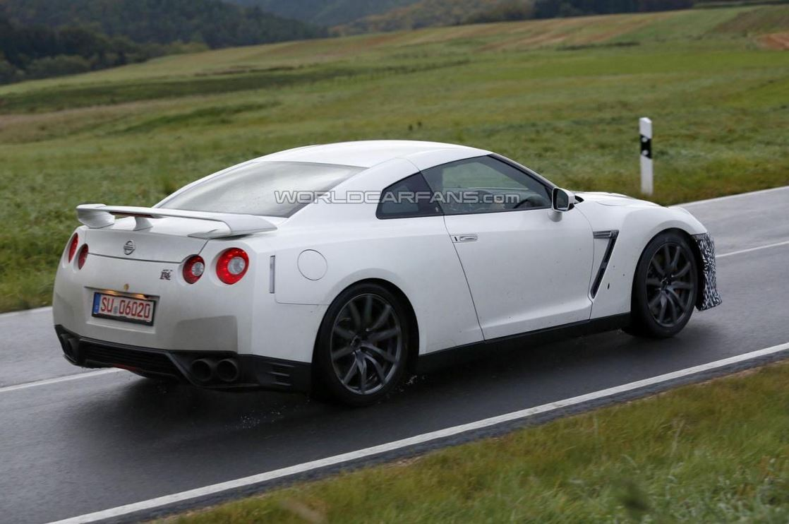 2017 Nissan GT-R prototype