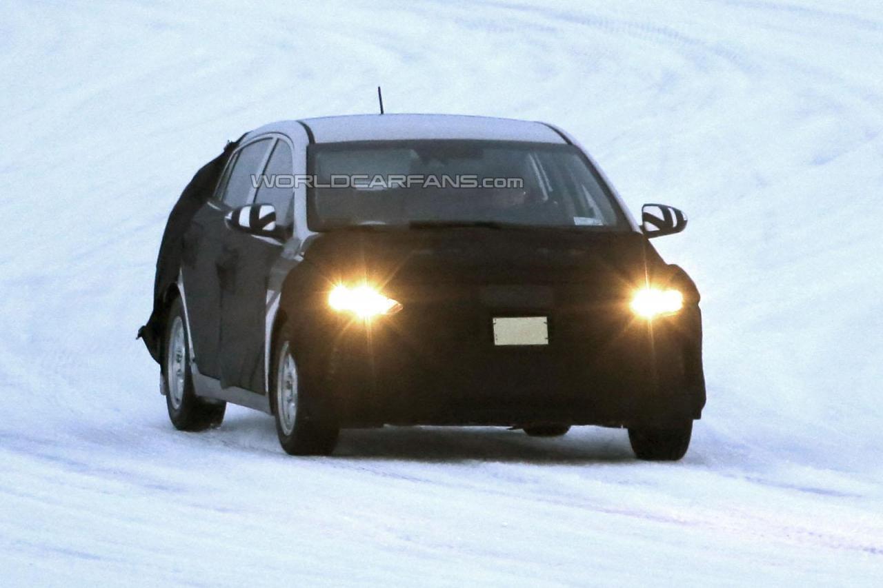 2016 Hyundai Prius competitor